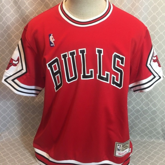 check out b68e4 62dc1 Chicago Bulls Mitchell & Ness Shooting Shirt